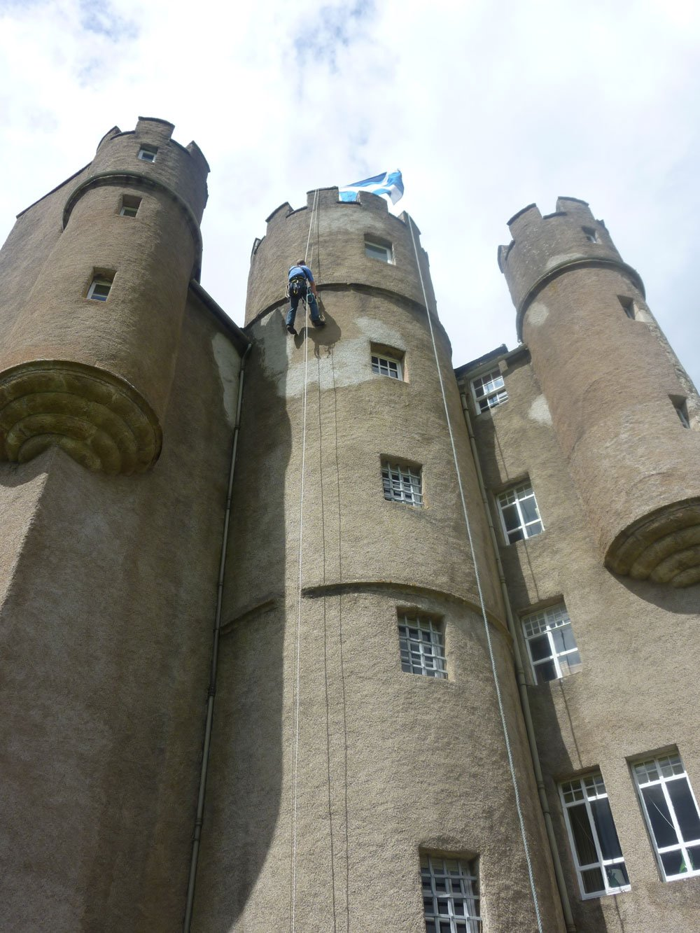 braemar-castle