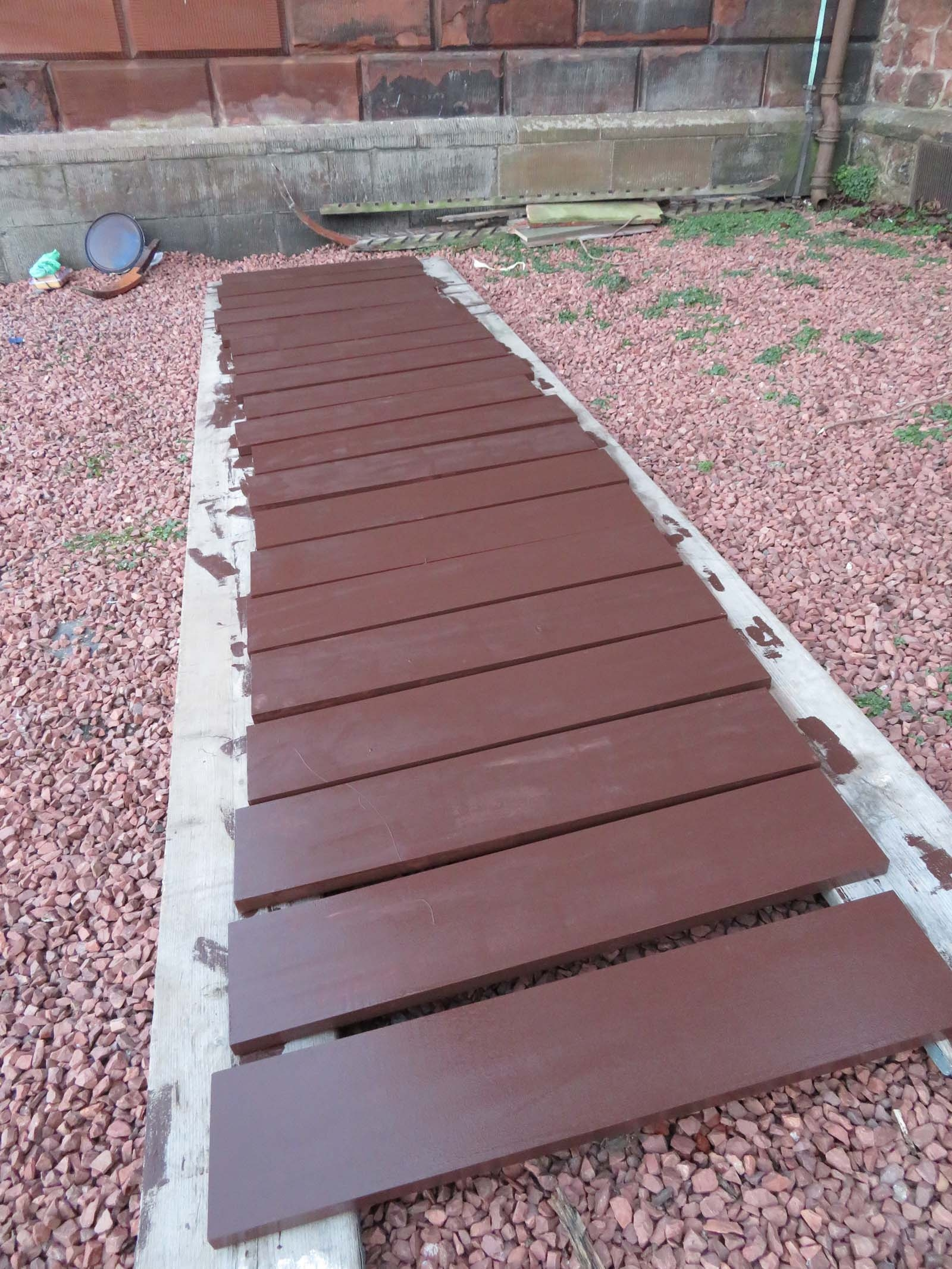 1 coat of paint applied to louvres before fitting