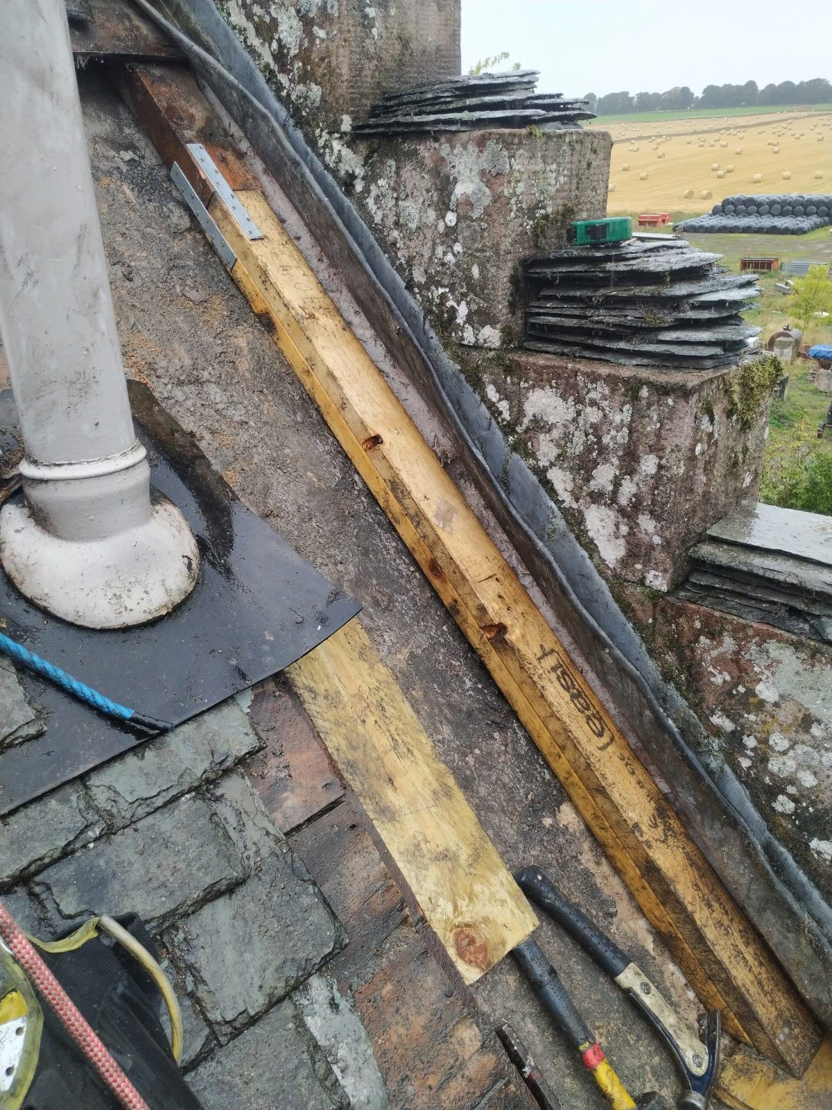 highland_castle_slate_repairs02