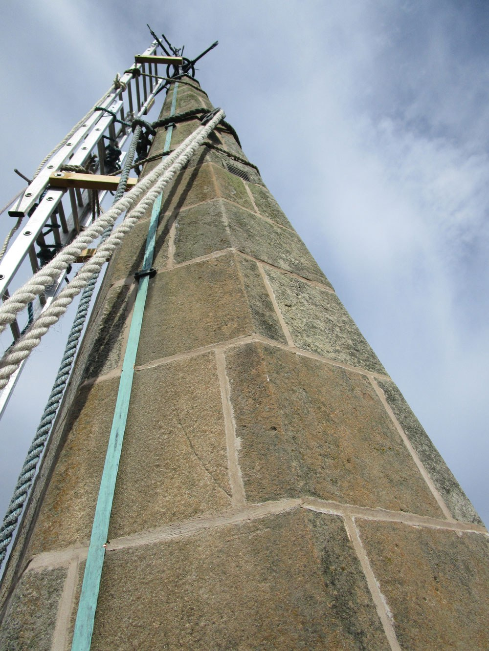 Hydraulic lime pointing church scotland
